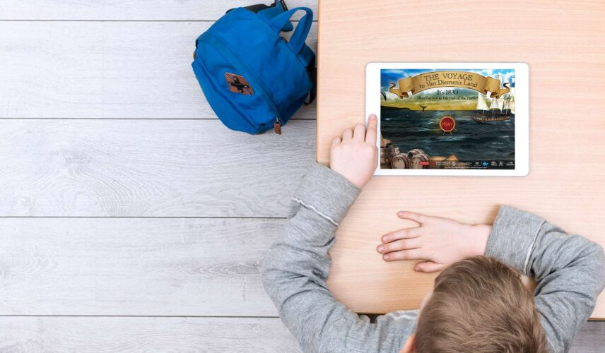 Virtual-Maritime- Museum_Boy with iPad small